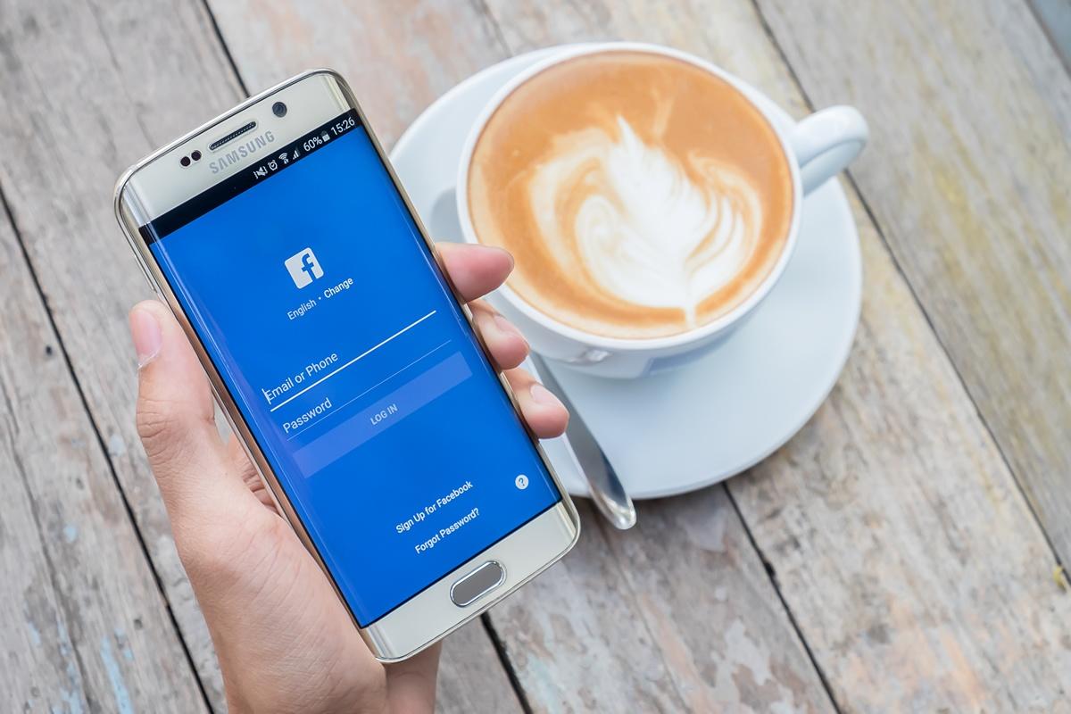 add_service_facebook